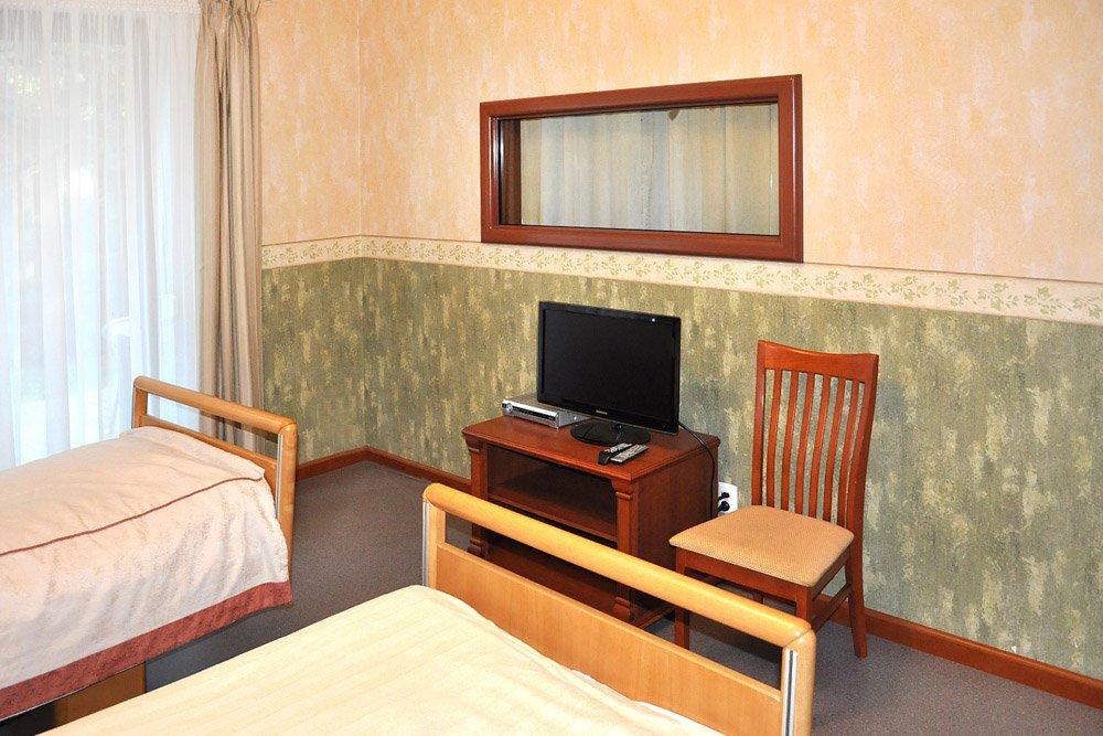 pokój dla uzależnionych w prywatnej klinice